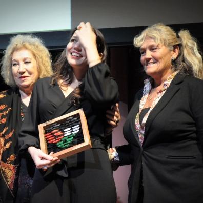 """Giulia Cacchioni con Meri Calvelli, Presidente Nazra (a destra) ed Egidia Beretta della """"Fondazione Vittorio Arrigoni - Vik Utopia onlus"""""""